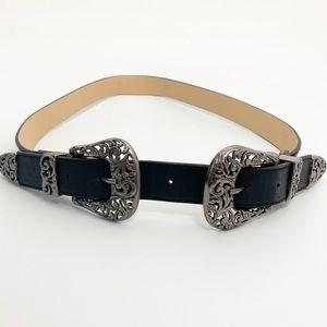 Lulu's black double buckle belt